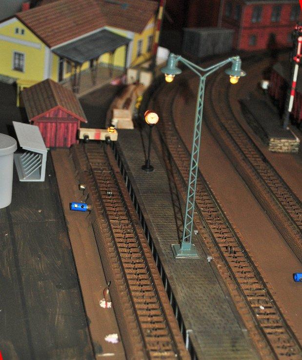 http://www.moba-trickkiste.de/components/com_agora/img/members/185/Bahnsteig.jpg