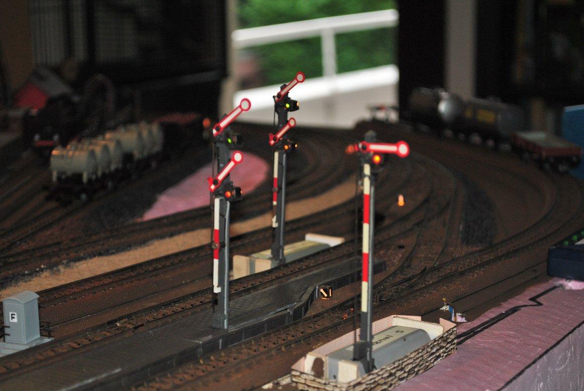 http://www.moba-trickkiste.de/components/com_agora/img/members/185/Signale.jpg